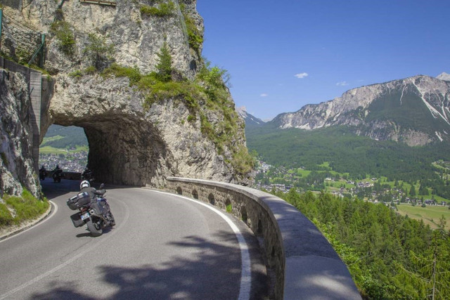 Motorcycle tour Italy, Italian lakes & Dolomites Guided tour, den ...