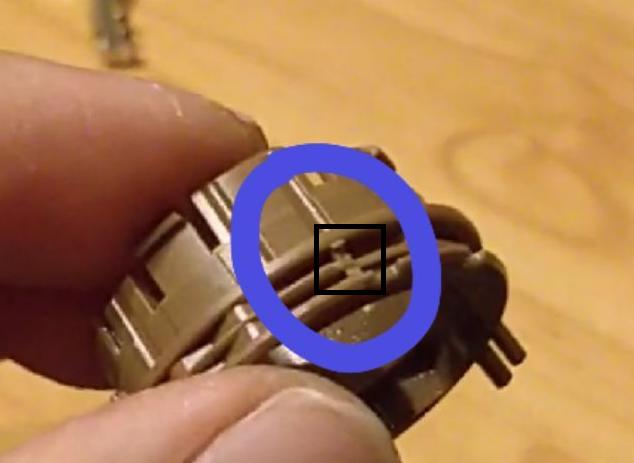 [Brico/Como] Desactivar Luces Automaticas Plastic-light-cut-2