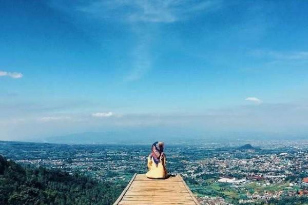 7 Wisata Bukit di Malang Raya yang Punya Pemandangan Epic