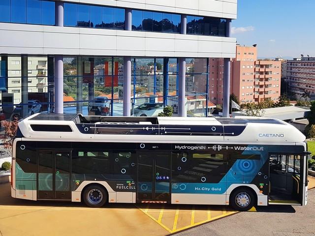 Toyota Motor Europe renforce son alliance stratégique avec CaetanoBus et Finlog dans le secteur des bus à hydrogène H2-citygoldcaetanobustn