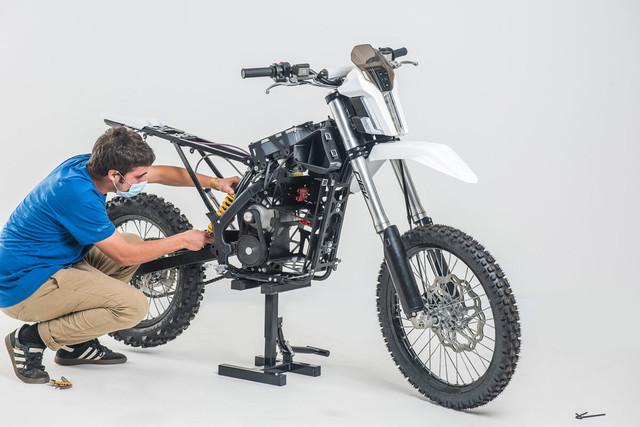 elisava-motocicleta-dayna-10-1200x801