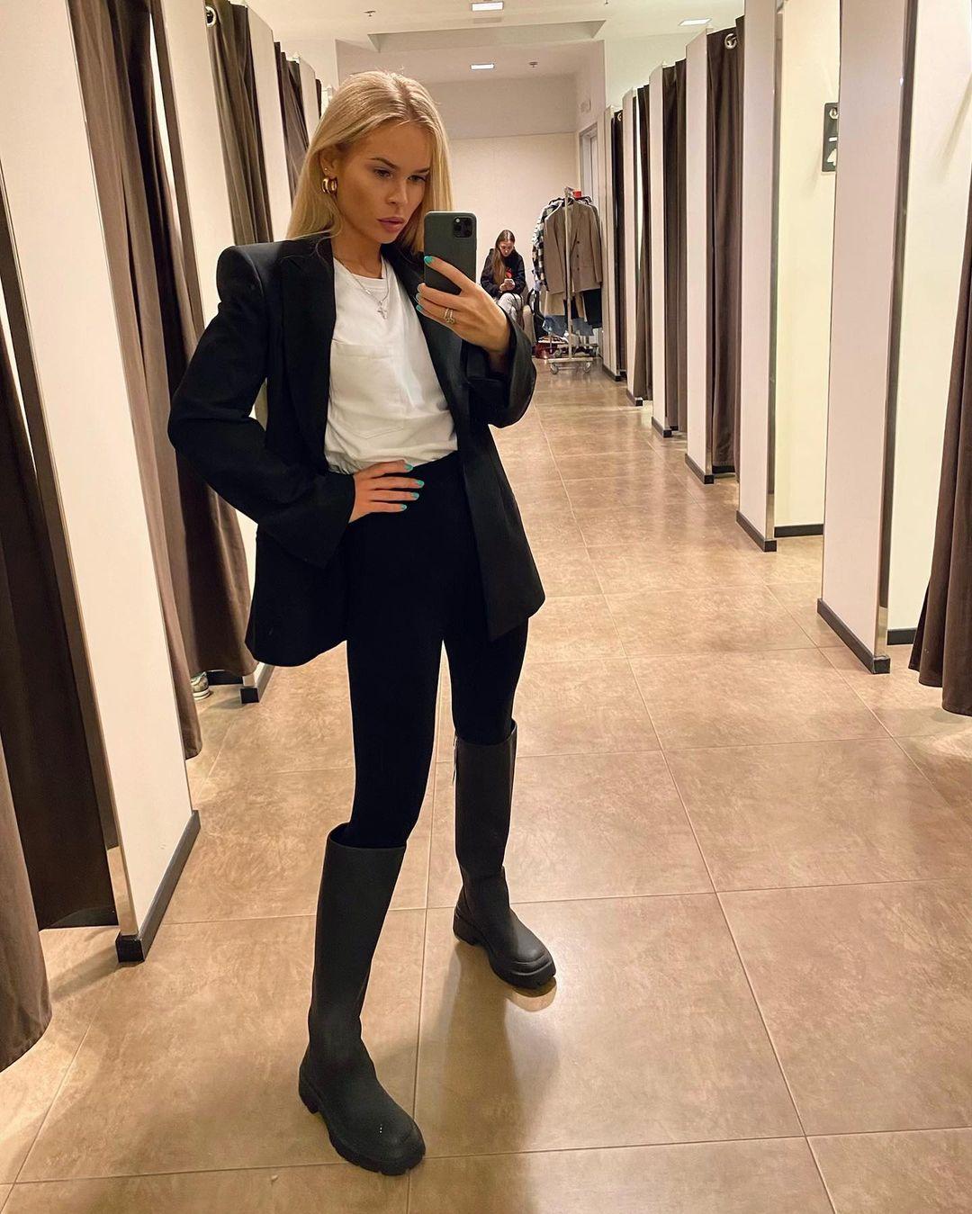 Vlada-Sharpilova-Wallpapers-Insta-Fit-Bio-4