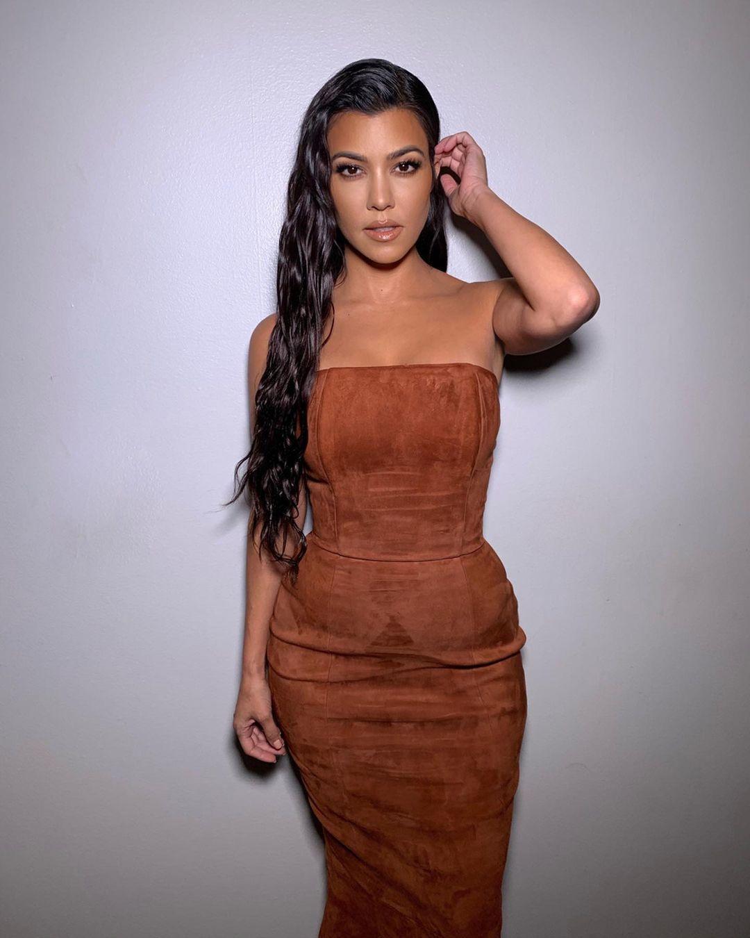 Kourtney-Kardashian-4