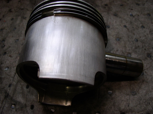 V7 Sport engine teardown 7