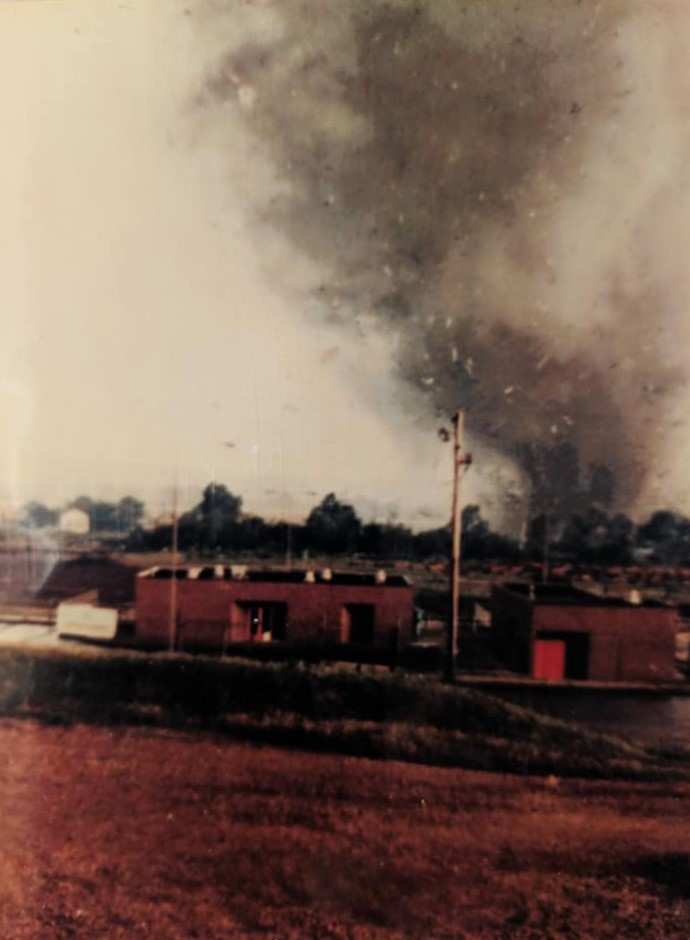 wheatland-tornado-6-mike-sisic.jpg