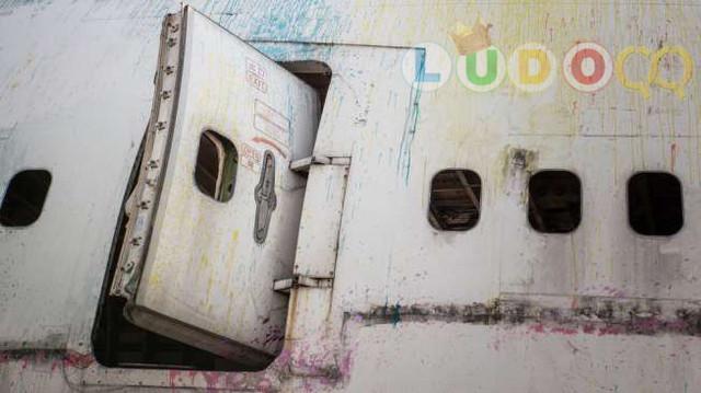 Mengira Toilet, Penumpang Pesawat Malah Buka Pintu Darurat