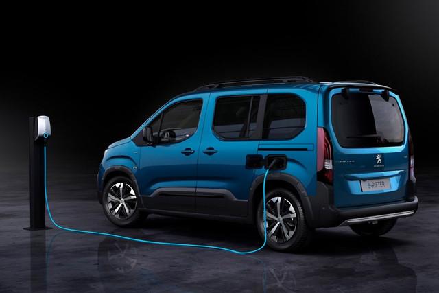 2018 - [Peugeot/Citroën/Opel] Rifter/Berlingo/Combo [K9] - Page 10 62-FBA8-CF-39-B7-4-BB9-8-A3-A-38-C1-DB0-A2-FF4