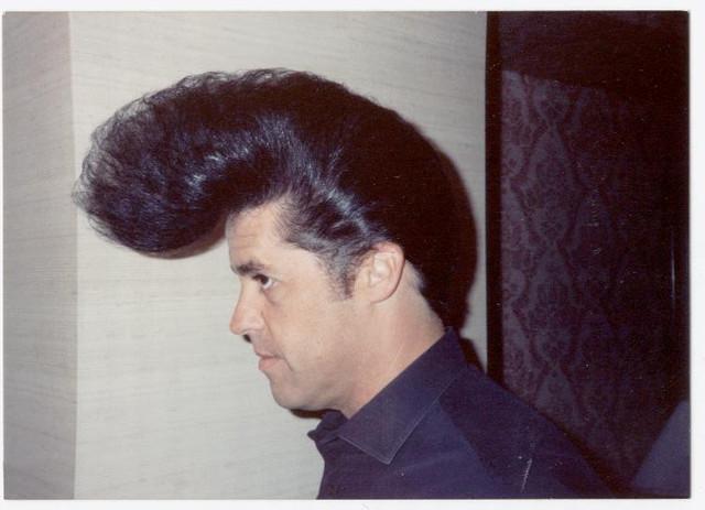 [Image: backstage-hairdo-in-Paris-France.jpg]