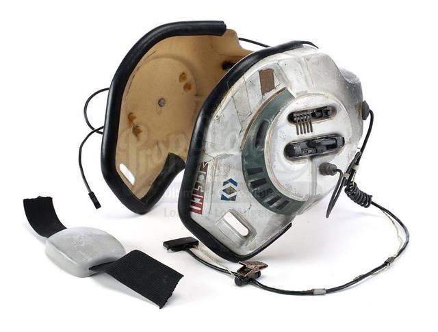Prop-Store-Bwing-Helmet03.jpg