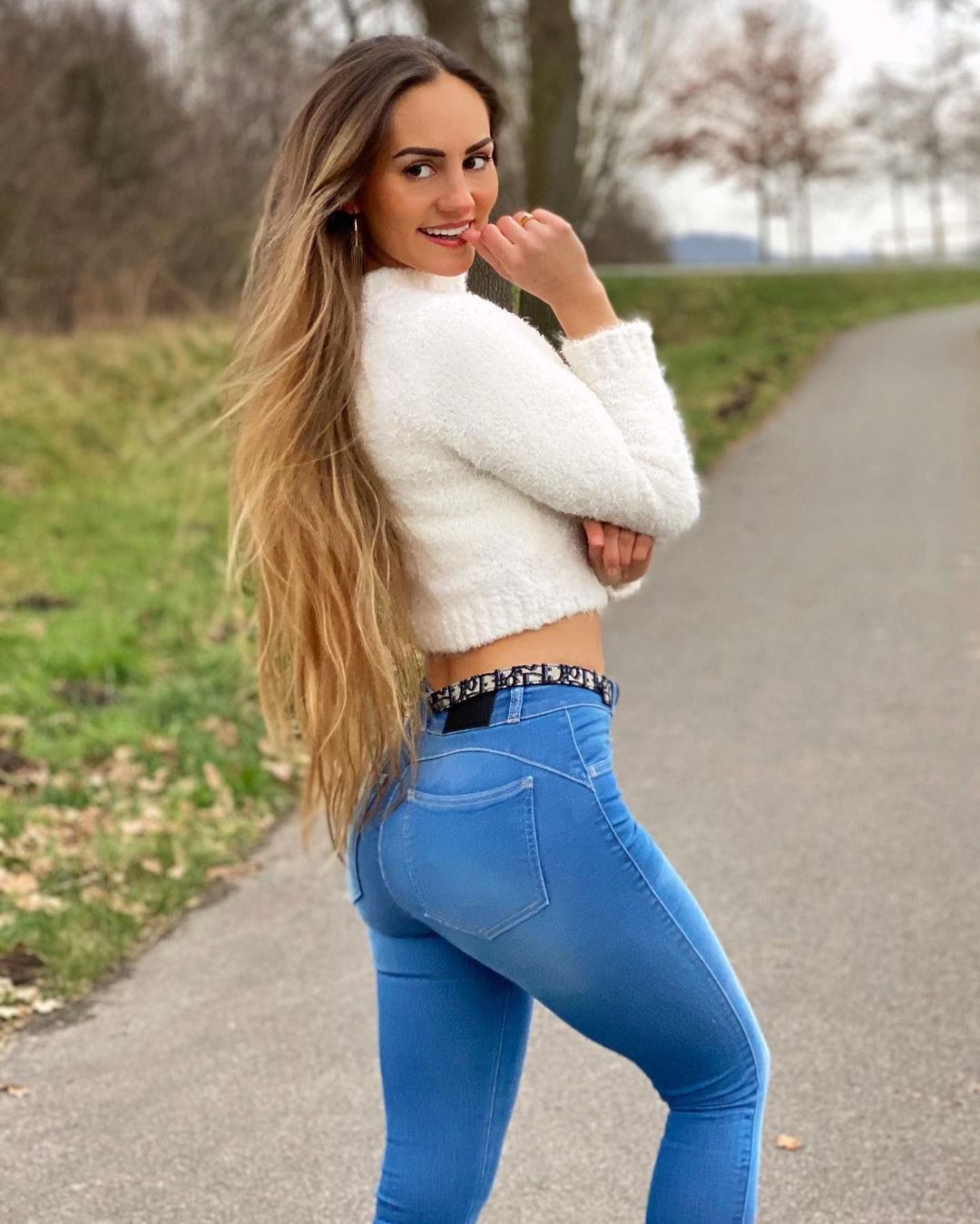 Natalie-Ice-Wallpapers-Insta-Fit-Bio-16