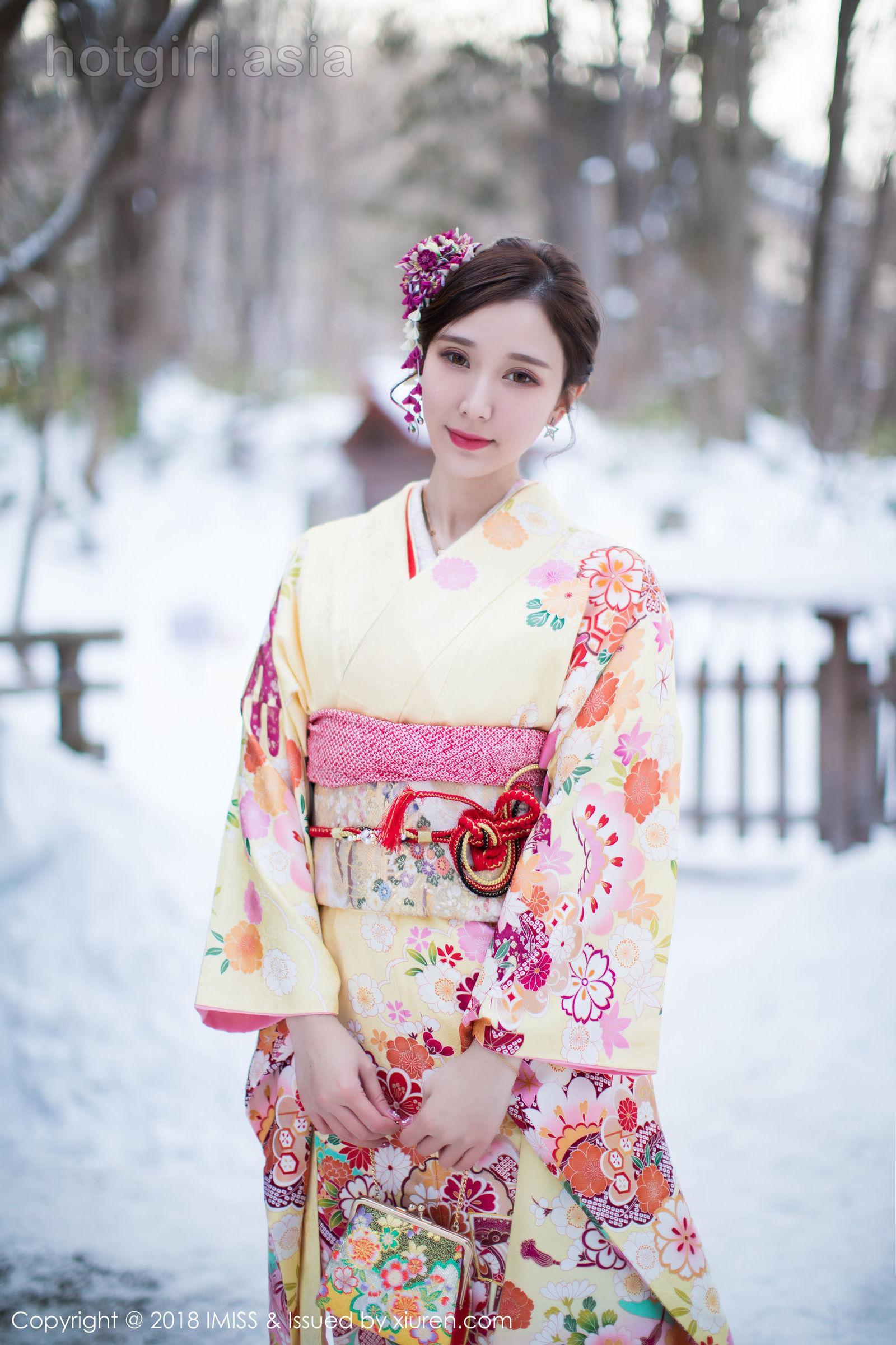[IMiss 爱 蜜 社] Vol.242 养眼 美女 @ 淼淼 萌萌 哒 Hokkaido Travel Photo