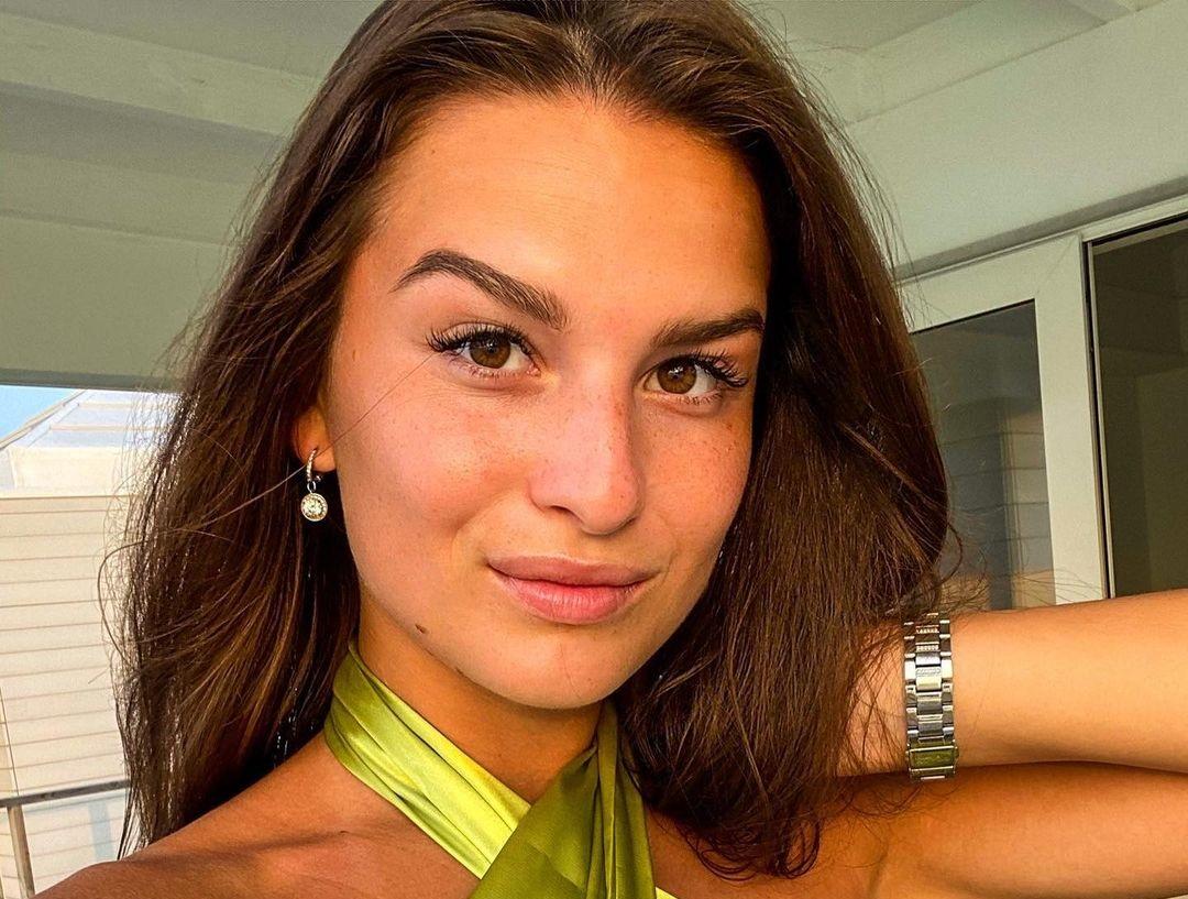 Dominika-Vinsova-Wallpapers-Insta-Fit-Bio-13