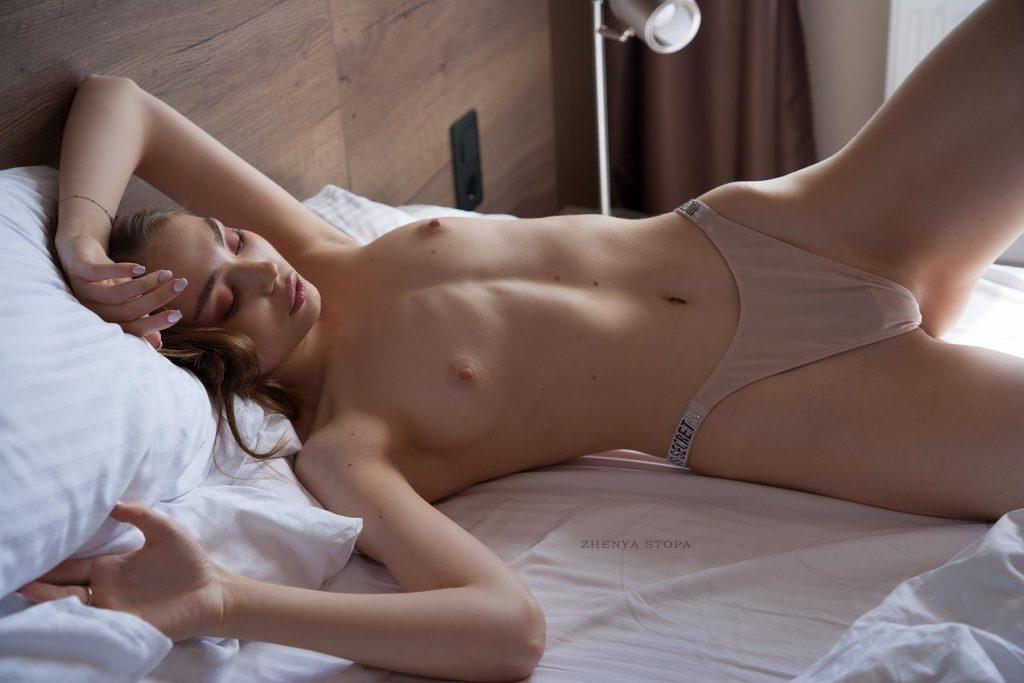 Ekaterina-Kliger-Nude-14-Nudo-Star-com-1024x683