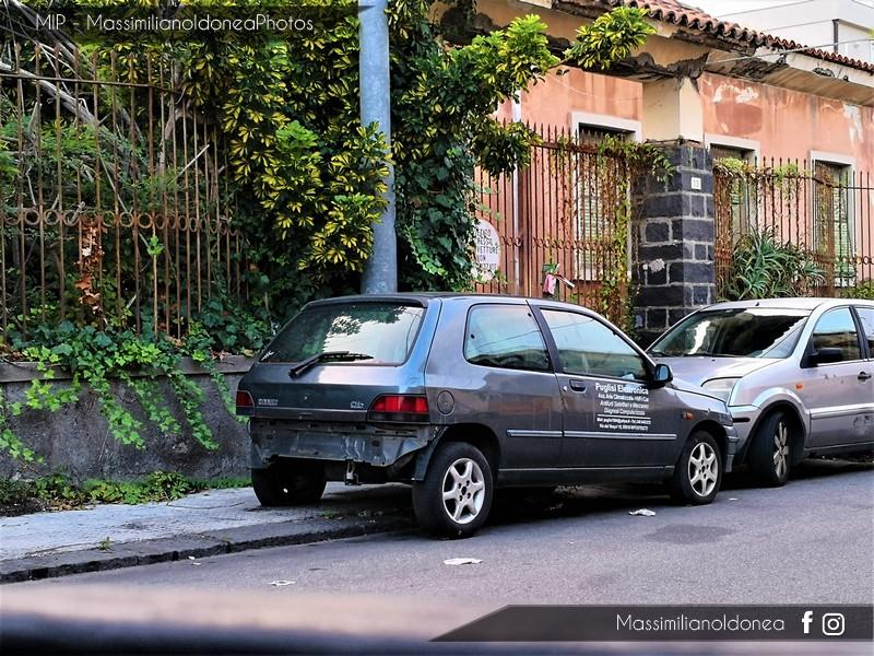 Auto Abbandonate - Pagina 8 Renault-Clio