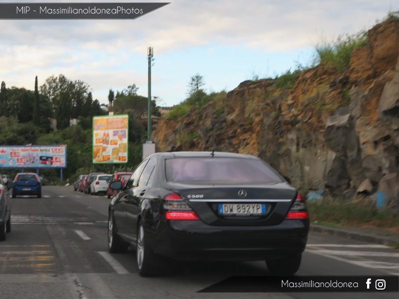 Avvistamenti auto rare non ancora d'epoca - Pagina 19 Mercedes-W221-S-500-5-5-388cv-09-DW892-YP-124-414-28-7-2018