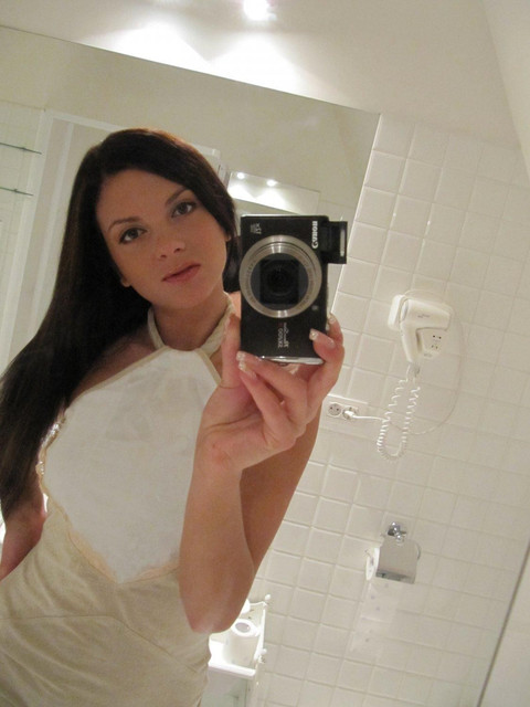 monicca-self-shot-bathroom-08.jpg