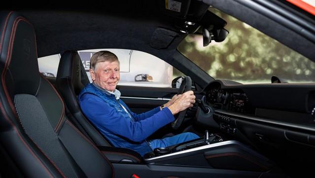Célébrer une icône néerlandaise de la course automobile: la 911 unique avec l'empreinte digitale de Gijs van Lennep Pro-Res-Porsche-911-Gijs-van-Lennep23