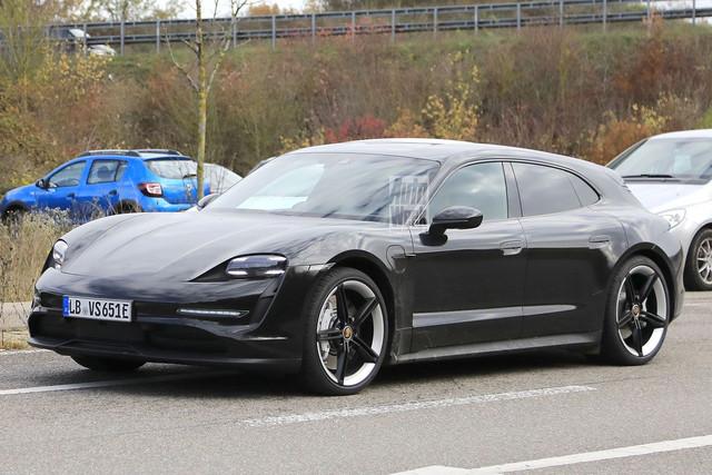2020 - [Porsche] Taycan Sport Turismo - Page 3 C589-B402-3944-48-F0-8-F55-4-D630-B22-BD6-A