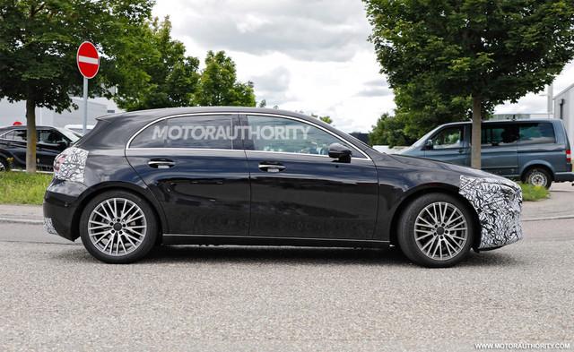 2022 - [Mercedes-Benz] Classe A restylée  4-CEEFB8-C-EE42-4555-BBE2-A835-B38-CB1-AB