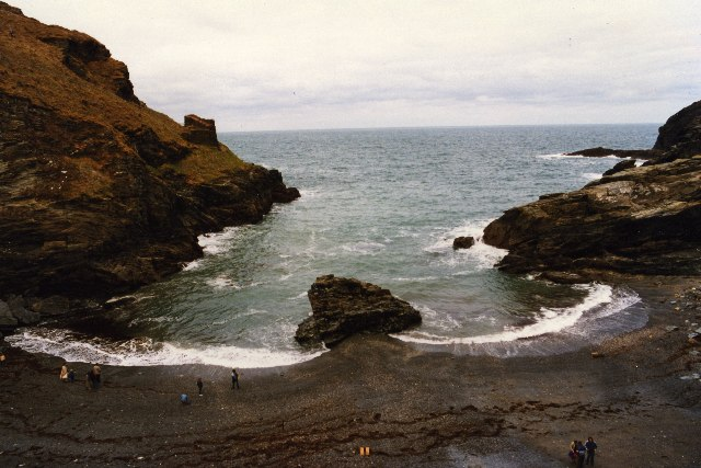Tintagel-Haven-geograph-org-uk-13797