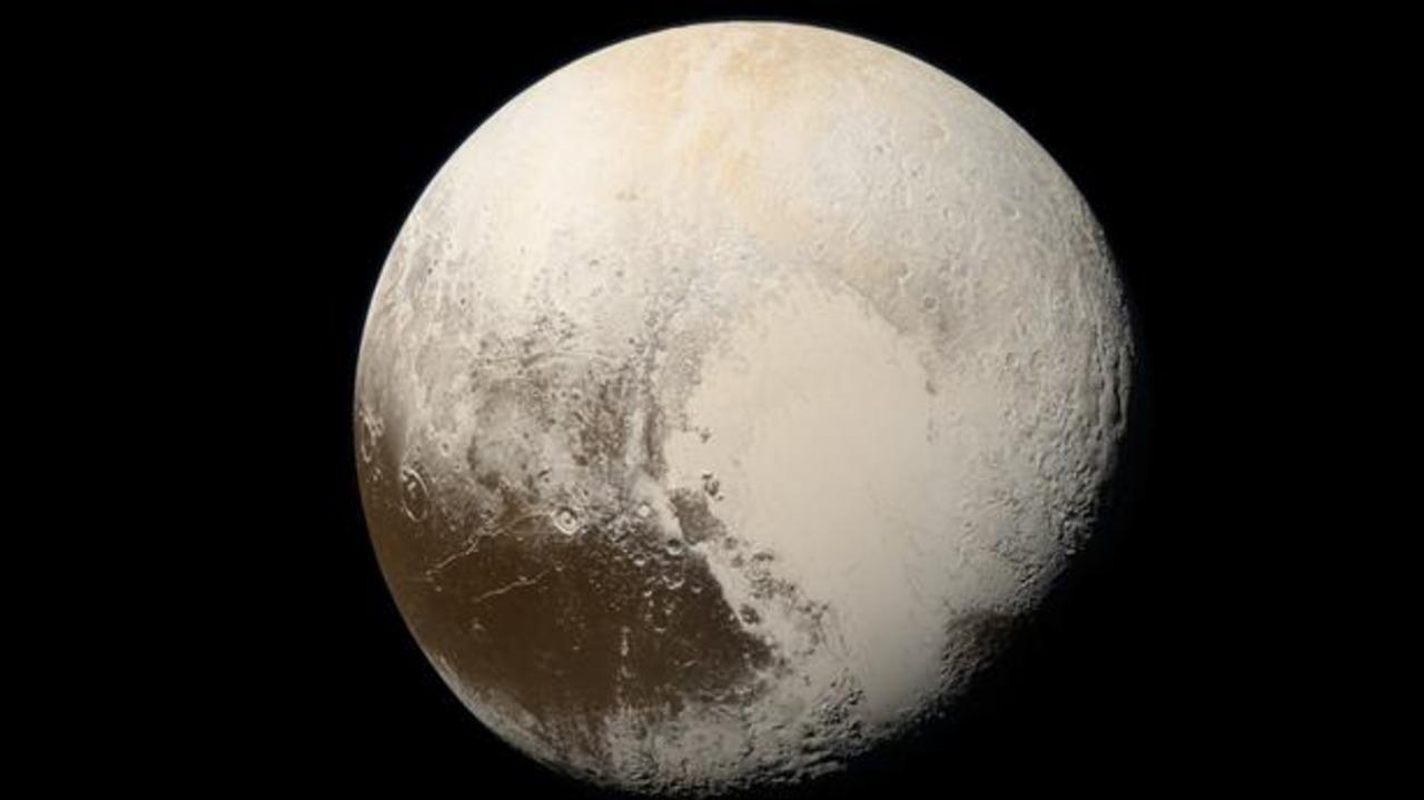 La razón por la que Plutón tiene un océano subterráneo