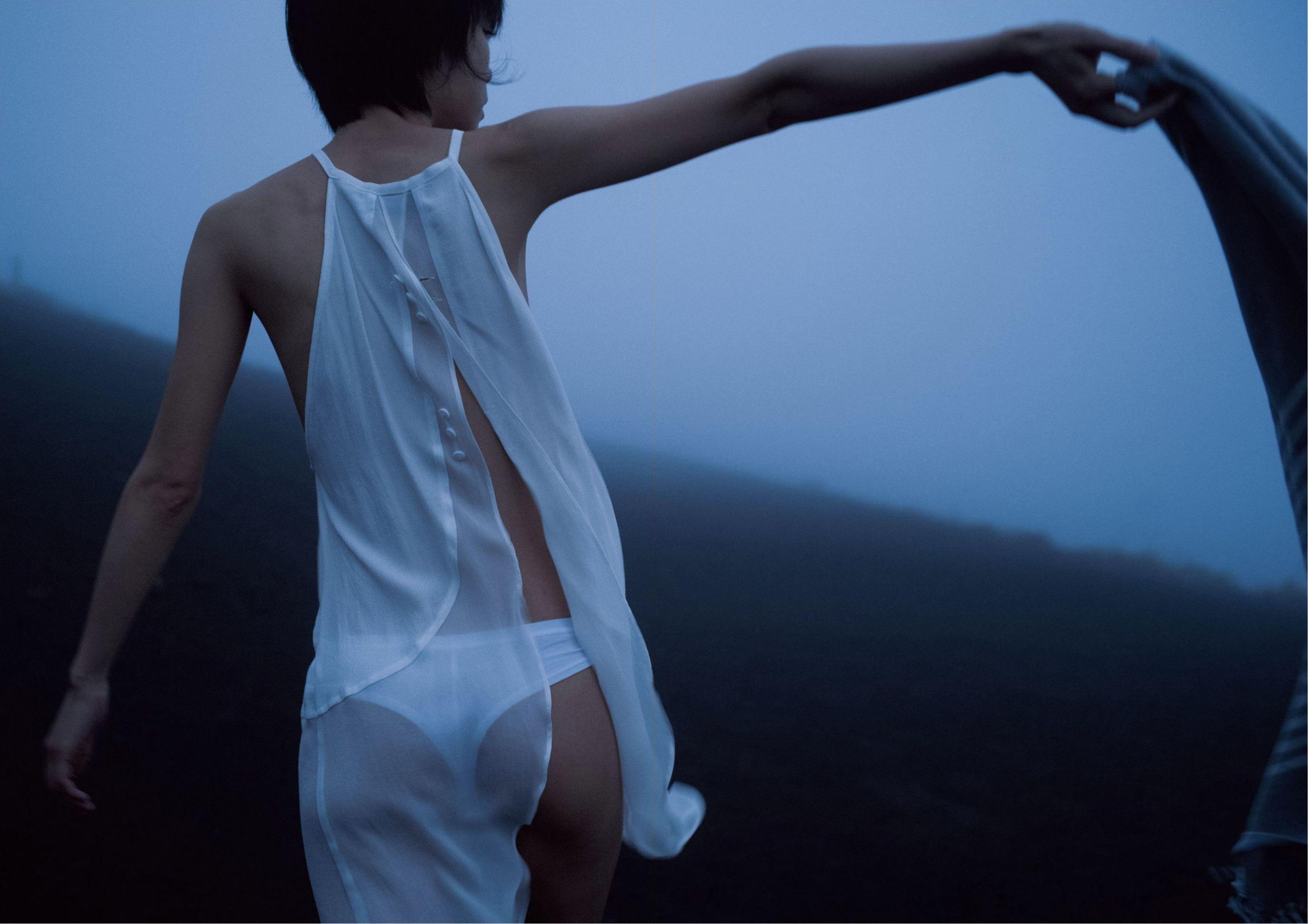 芳野友美ファースト写真集『或る女』077