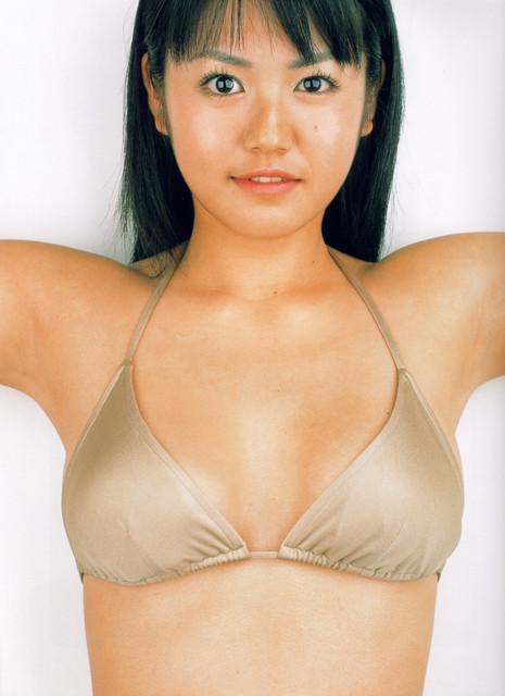 Isoyama-Sayaka-her-mavelous-youthful-days-074