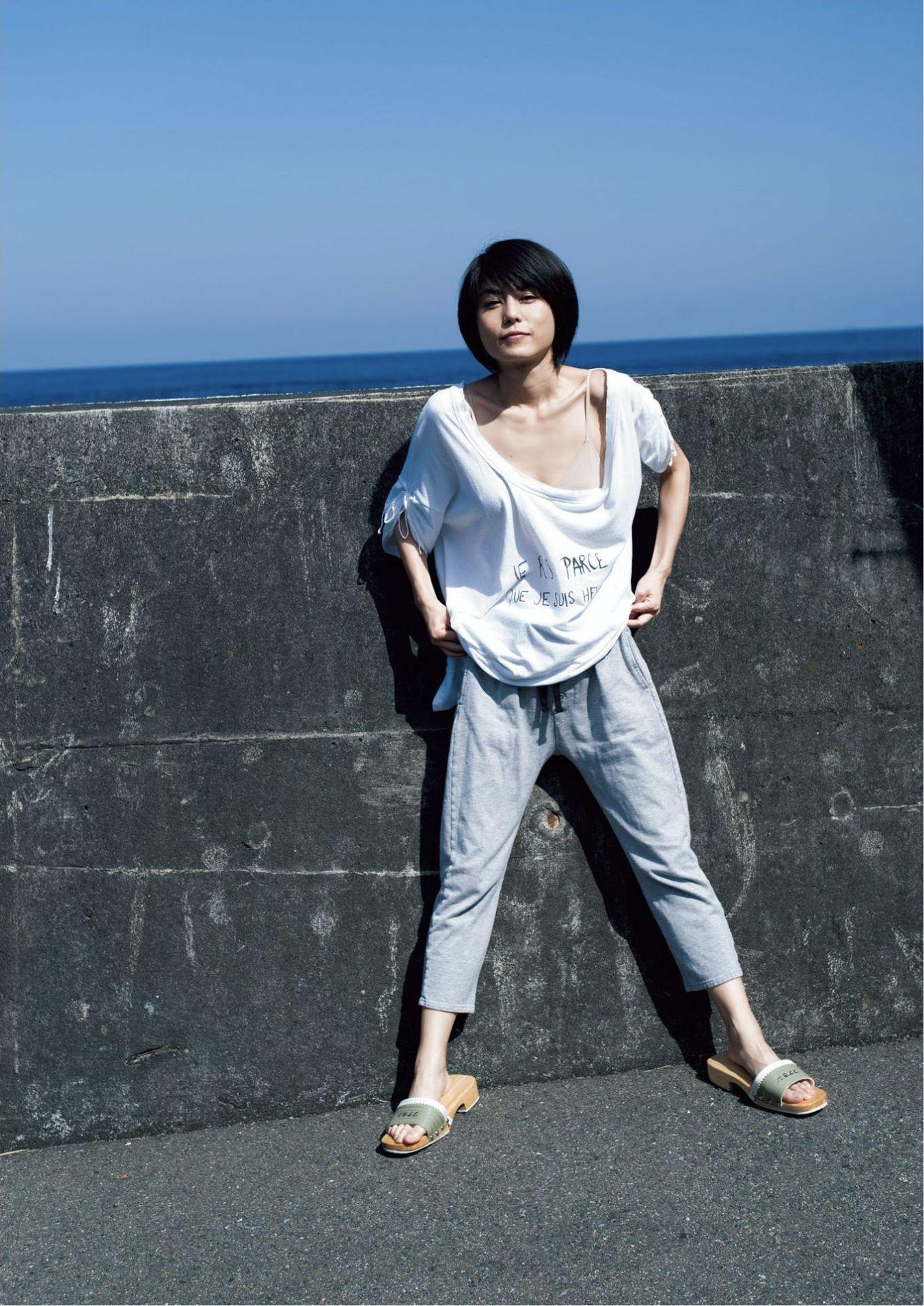 芳野友美ファースト写真集『或る女』004