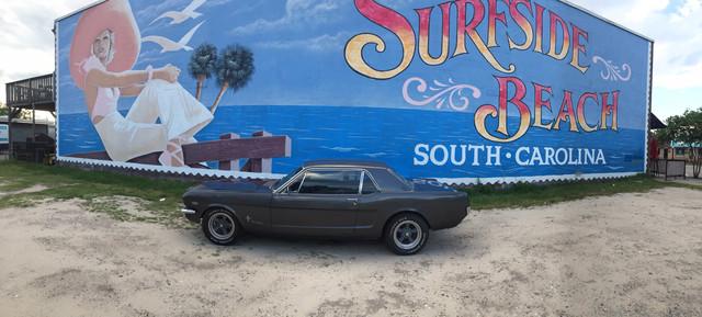 https://i.ibb.co/YXTpn7G/My-Mustang-at-Surfside-Beach.jpg