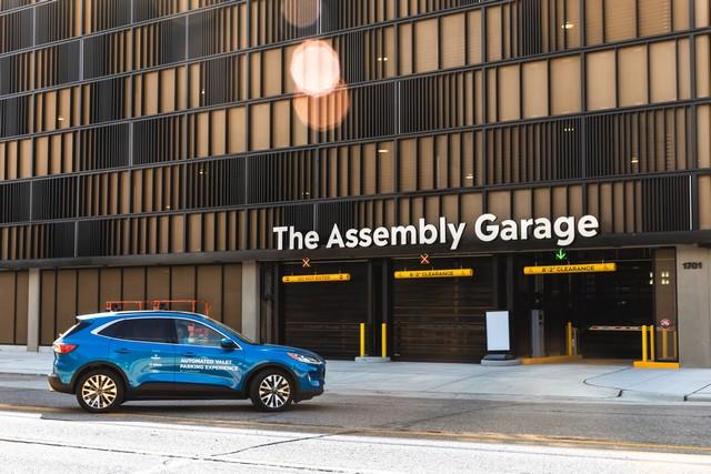 Ford et Bosch testent un système de parking autonome à Detroit Automated-Valet-Parking-001