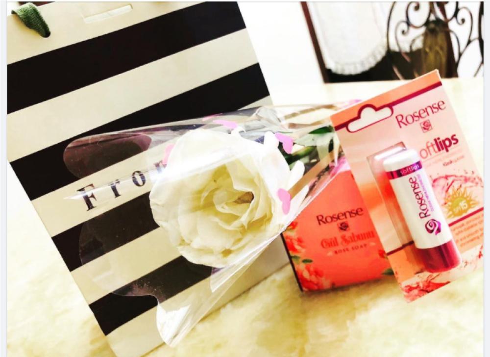 嚴美瑜小羽試用Rosense經典玫瑰護唇膏、玫瑰香氛皂
