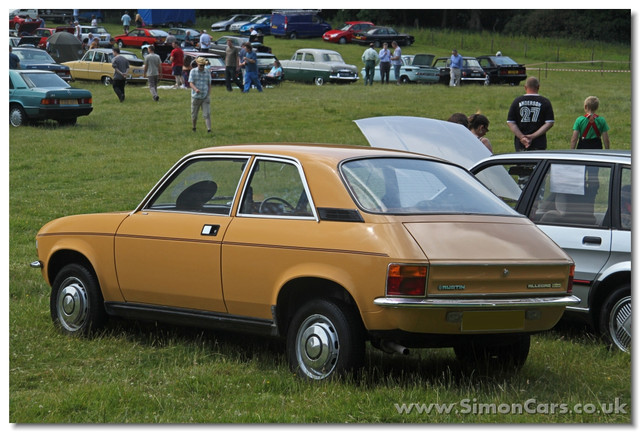 Austin-Allegro-1300-Super-S2-2-door-2-door-versions-of-the-Allegro-were-available-from-launch-in-197