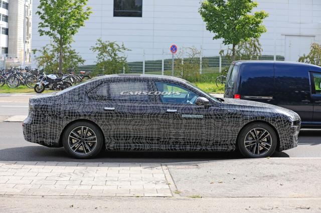 2022 - [BMW] série 7  - Page 2 90218297-1-BD0-4-E64-8966-CA2-A1-D30-BF4-F