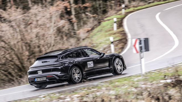 2020 - [Porsche] Taycan Sport Turismo - Page 3 5-AC44-A9-B-BC84-495-B-B6-FA-953-C1-C086-A5-B