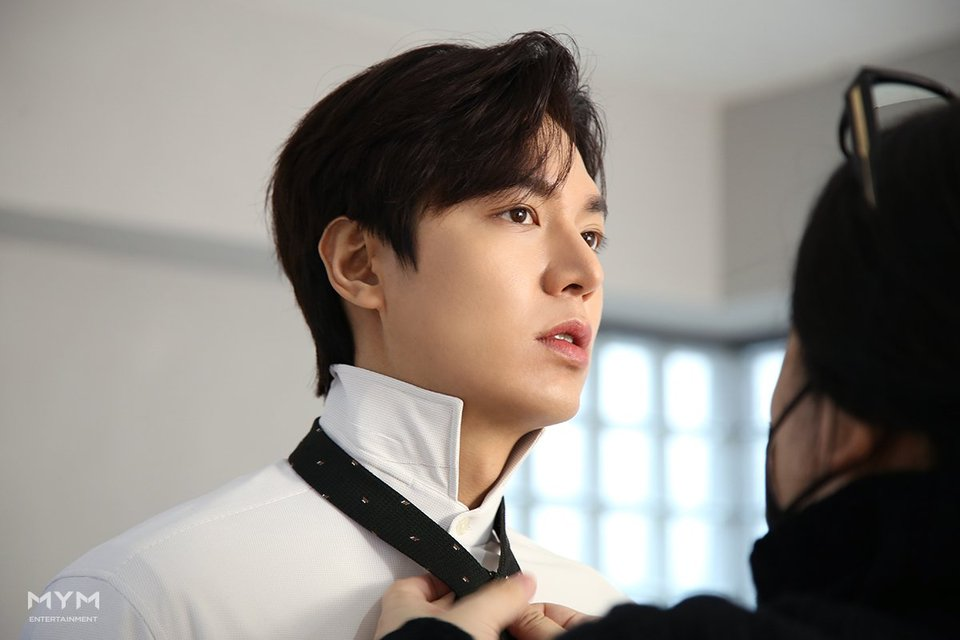 Lee-Min-Ho-Commercial-Shooting-Behind-the-Scene-part2-7-960