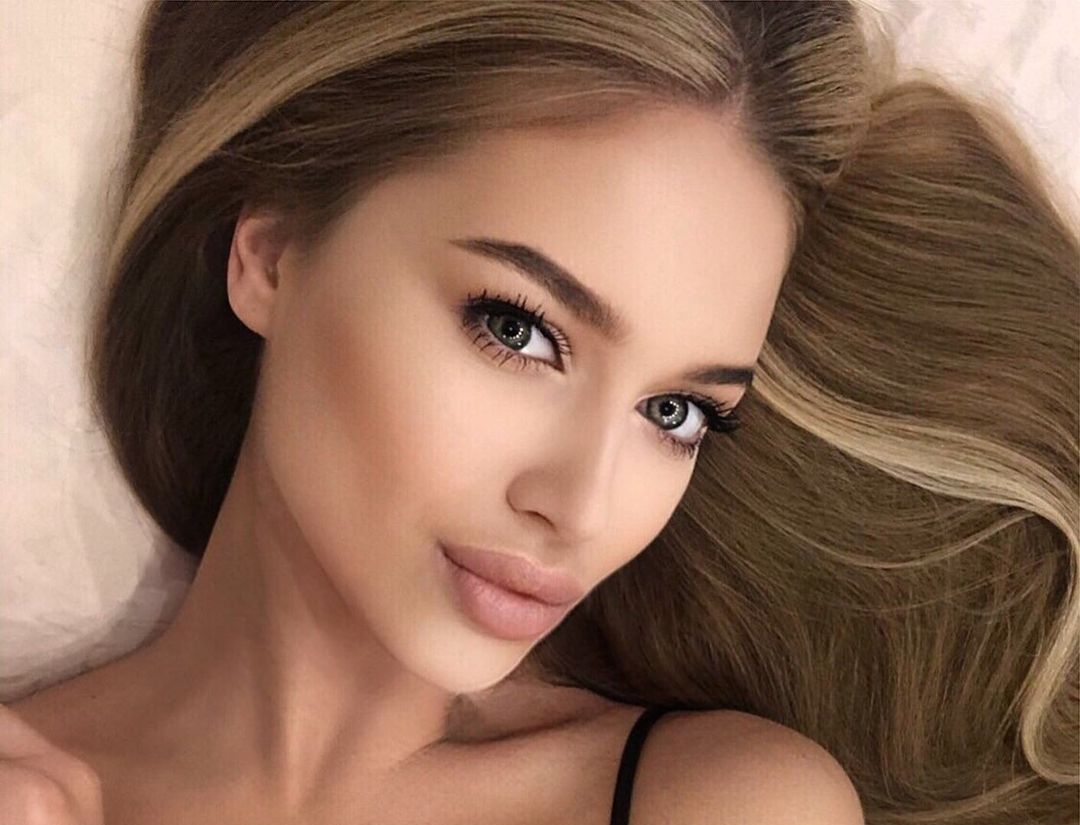 Angelina-Samokhina-Wallpapers-Insta-Fit-Bio-2