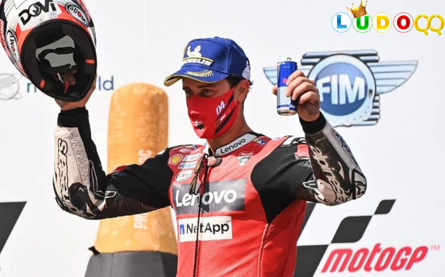 Dominasi Ducati dalam Balapan yang Luar Biasa Dramatis