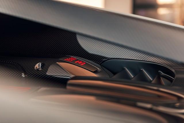 Premiers trajets en Bugatti Chiron Pur Sport 43-34-pur-sport-first-drives-jet-grey