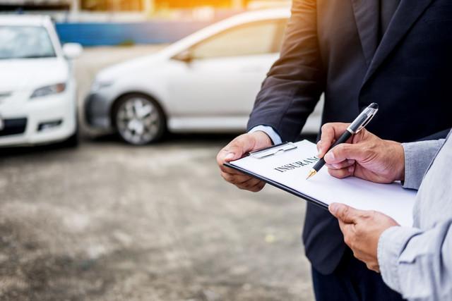 Bagaimana Menghemat Asuransi Mobil Saat Anda Akan Berlibur