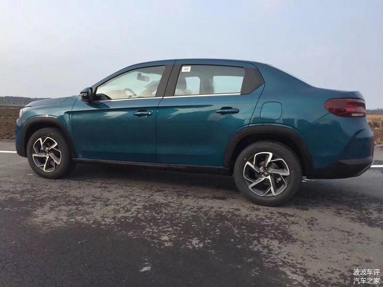 Citroën C3L (2019) 13