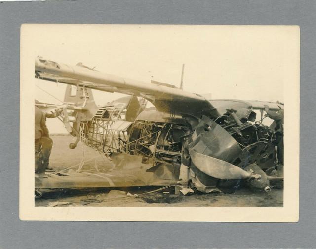Foto-WK-II-Wehrmacht-Flugzeug-wohl-Doppeldecker-nach