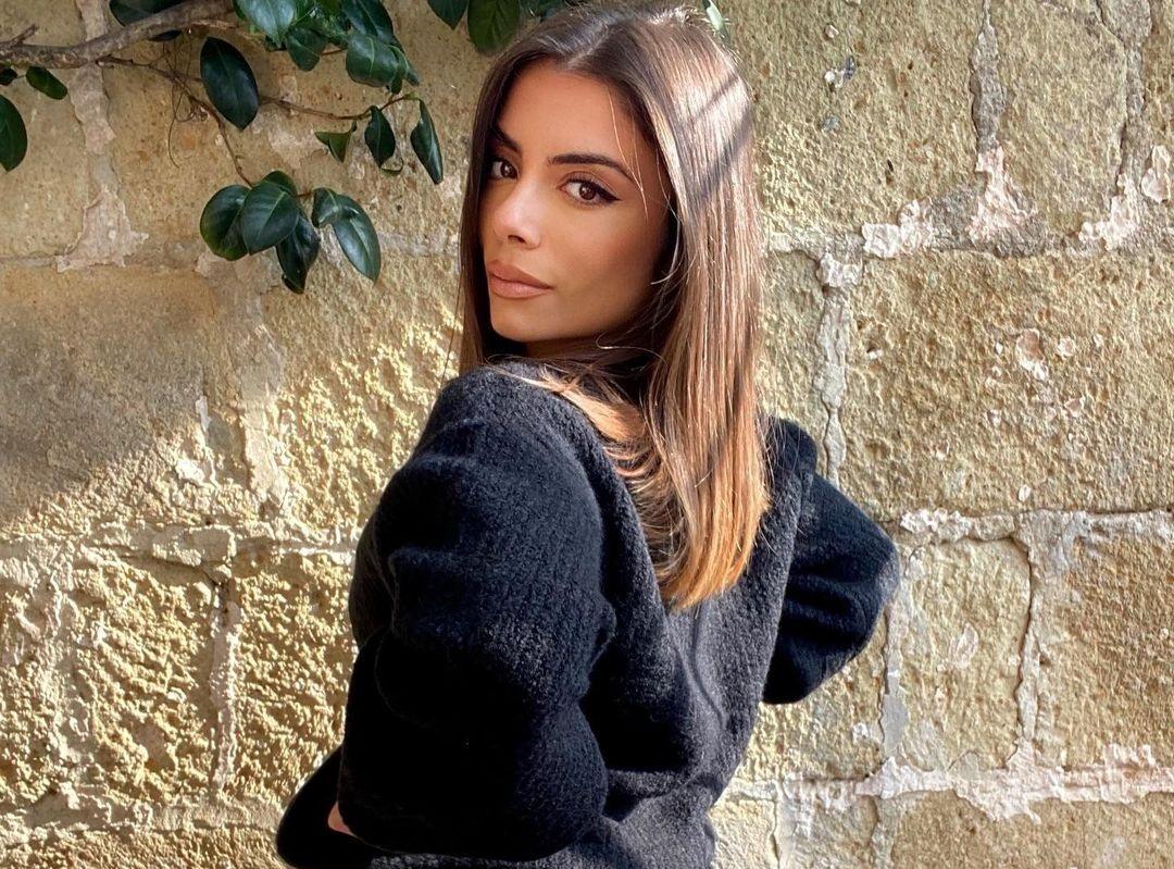 Federica-Saviano-Wallpapers-Insta-Fit-Bio-6