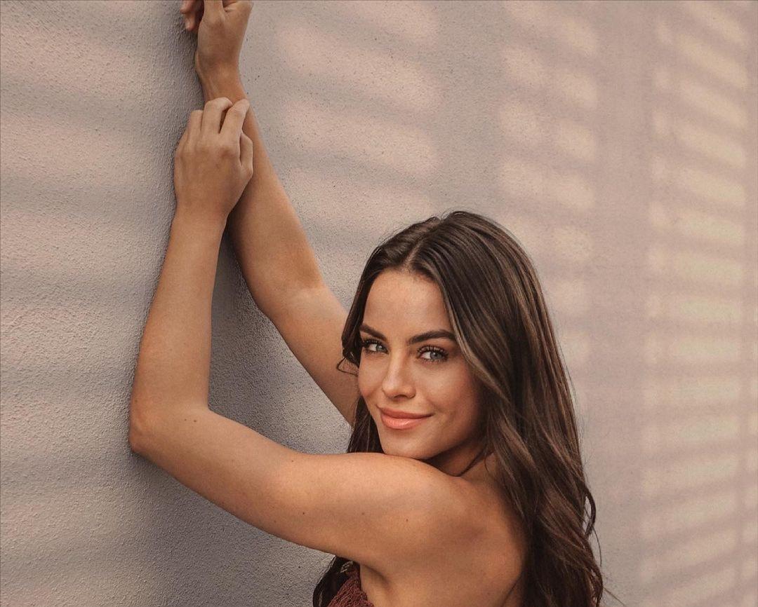 Lara-Runarsson-Wallpapers-Insta-Fit-Bio-18