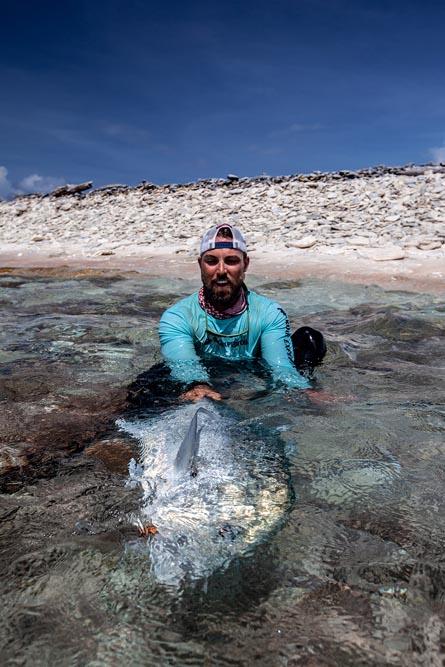 kanton-atoll-gt-giant-trevally-fly-fishing-kiribati-50