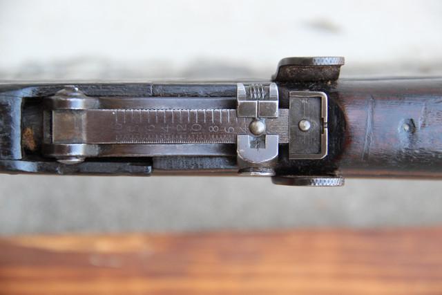17-rear-sight-top.jpg