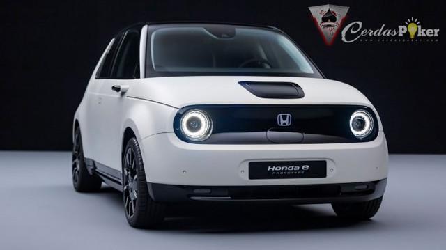 Mobil Listrik Honda Ganti Spion dengan Kamera Canggih
