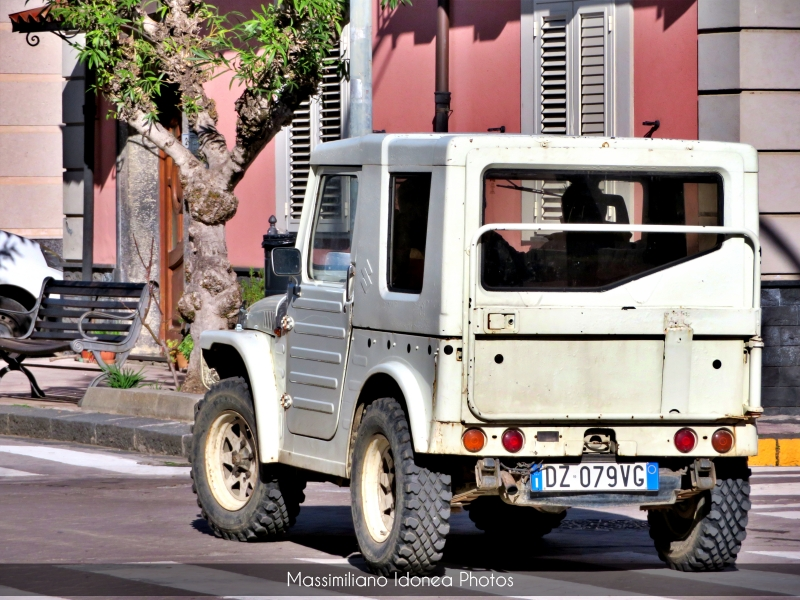 avvistamenti auto storiche - Pagina 2 Suzuki-LJ-800-36cv-81-DZ079-VG-197311-13-9-19-4