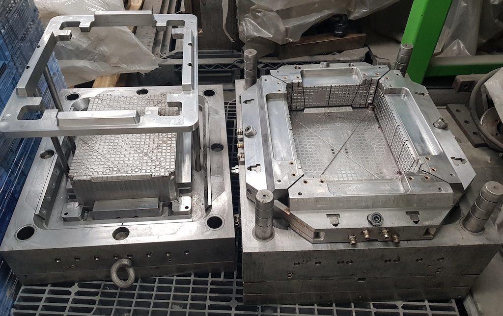 Производство простейшего инструментария. Как делают пластиковые ящики?, фото-2