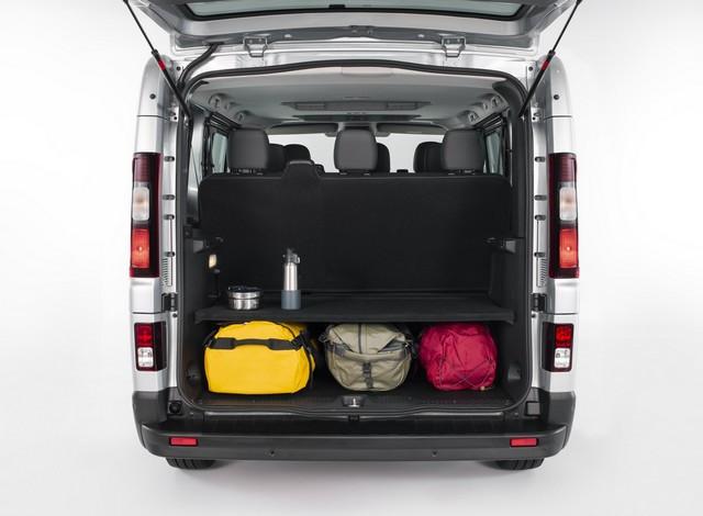 Le Nissan NV300 Combi Fait Peau Neuve New-NV300-Combi-Trunk-storage-1-1200x881