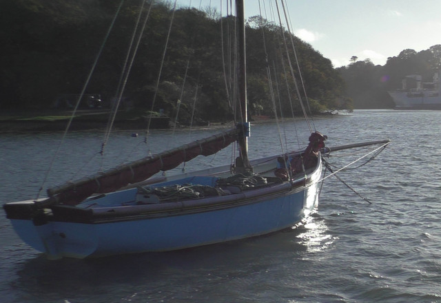 06-working-boat-blue.jpg